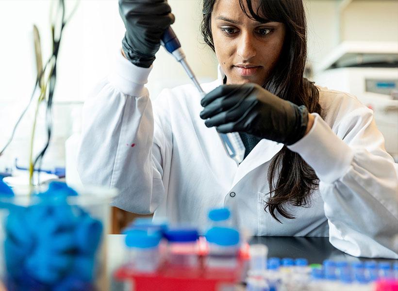 Soumya Kannan in the lab